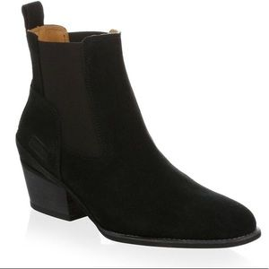Hunter Suede Ankle Boot US 8